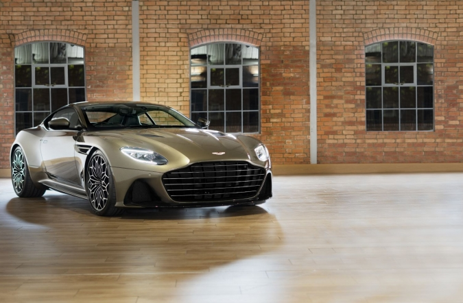 2019_AM_DBS_superleggera_09.jpg