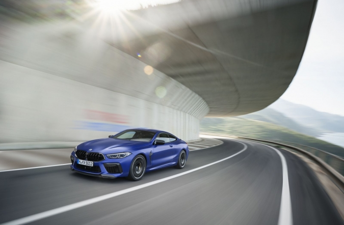 2019_BMW_M8_competition_00.jpg