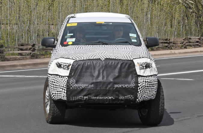 2019_ford_bronco_spy1_04.jpg