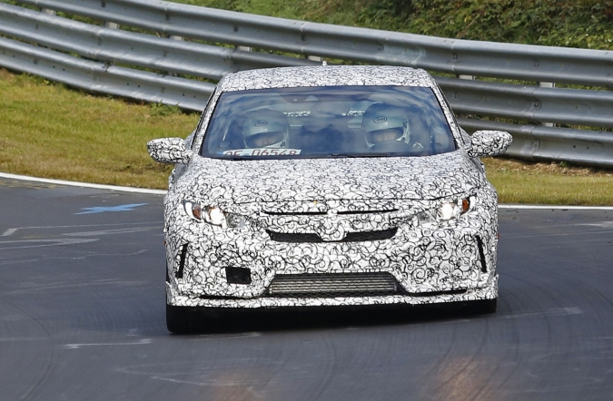 2015_honda_civic_type_R_sedan_spy1_00.jpg