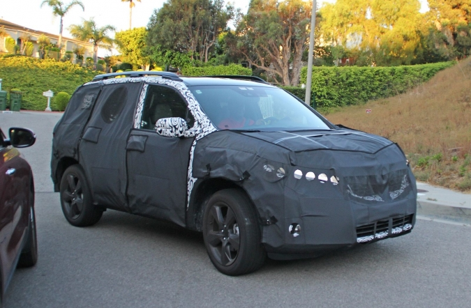 2018_honda_passport_spy1_00.jpg
