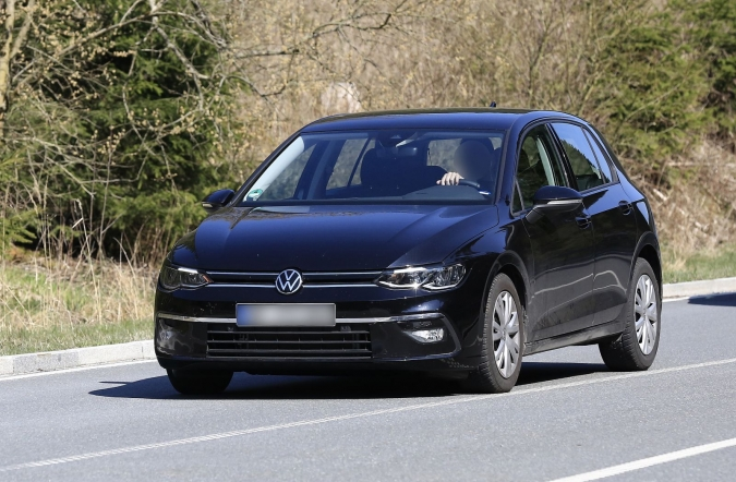 2019_vw_golf_8_spy1_00.jpg