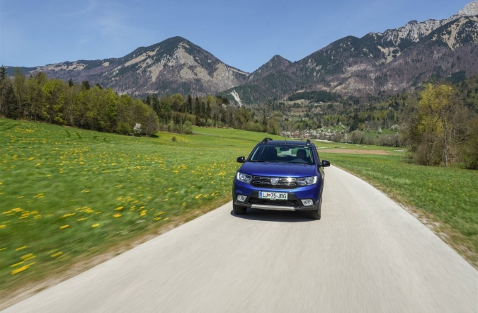 2020_test_dacia%2520sandero%2520stepway%25201_5%2520Blue%2520dCi%252095%2520proud_(01).jpg