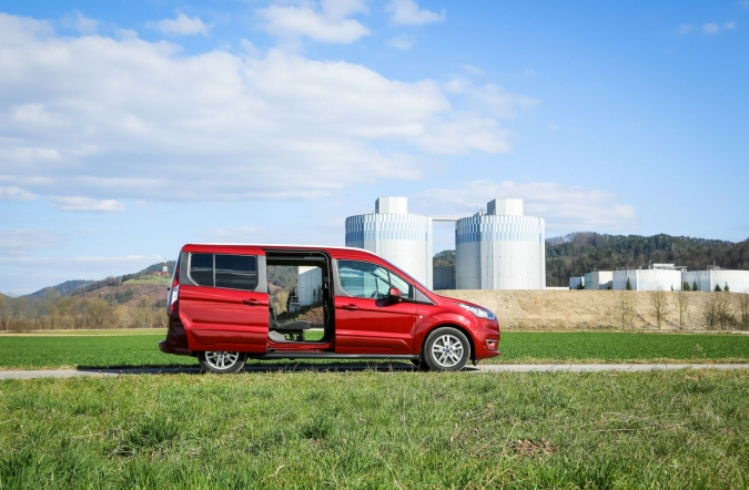2019_test_ford%2520grand%2520tourneo%2520connect%25201_5%2520TDCi%2520ecoblue%252088%2520kW%2520AT%2520titanium_(01).jpg