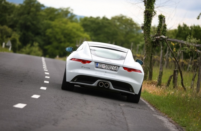 2017_jaguar%2520F-type%2520coupe%25203_0%2520V6_(25).JPG