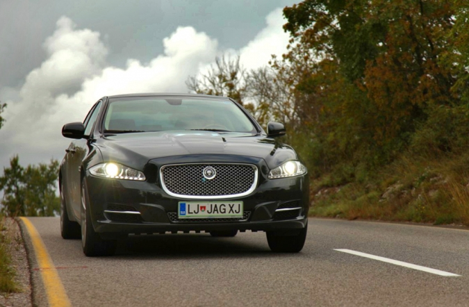 TEST_jaguar_XJ-02.jpg