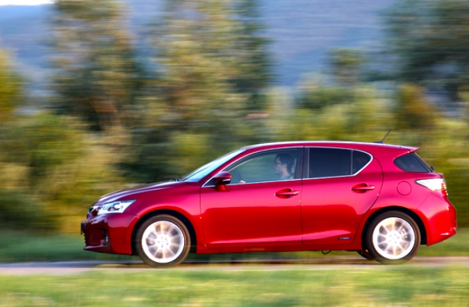 test-lexus%2520CT200h-02.JPG