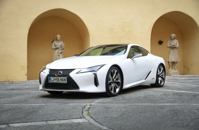 2018_test_lexus%2520LC%2520500h%2520first%2520edition_(06).JPG