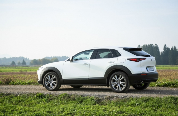 2019_test_mazda%2520CX-30%2520D116%2520AT%2520plus_(01).JPG