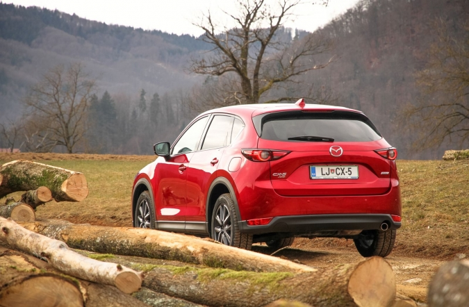 2019_test_mazda%2520CX-5%2520CD%2520184%2520AWD%2520AT%2520revolution%2520top_(01).JPG