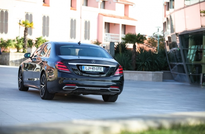 2017_mercedes-benz%2520S%2520400%2520d%25204MATIC%2520L%2520AMG%2520line%2520plus_(01).JPG