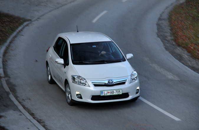 TEST_toyota_auris-05.jpg