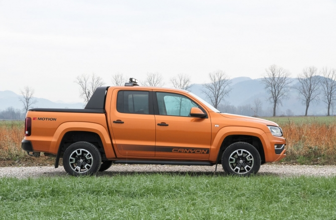 2019_test_volkswagen%2520amarok%25203_0%2520V6%2520TDI%25204MOTION%2520AT%2520canyon_(01).JPG