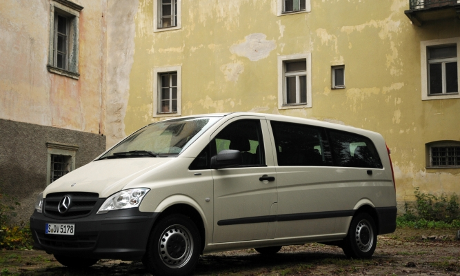 Mercedes-Benz vito in viano