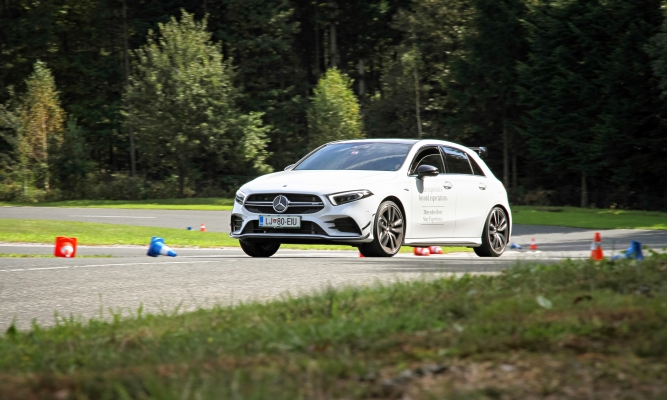 Mercedes-Benz Star experience