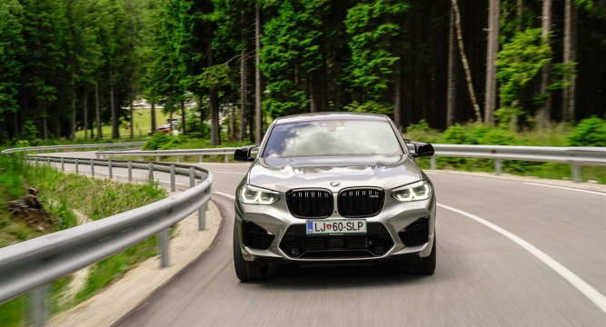 https://www.volan.si/testi/testi/6571827-bmw-x4-m-competition/